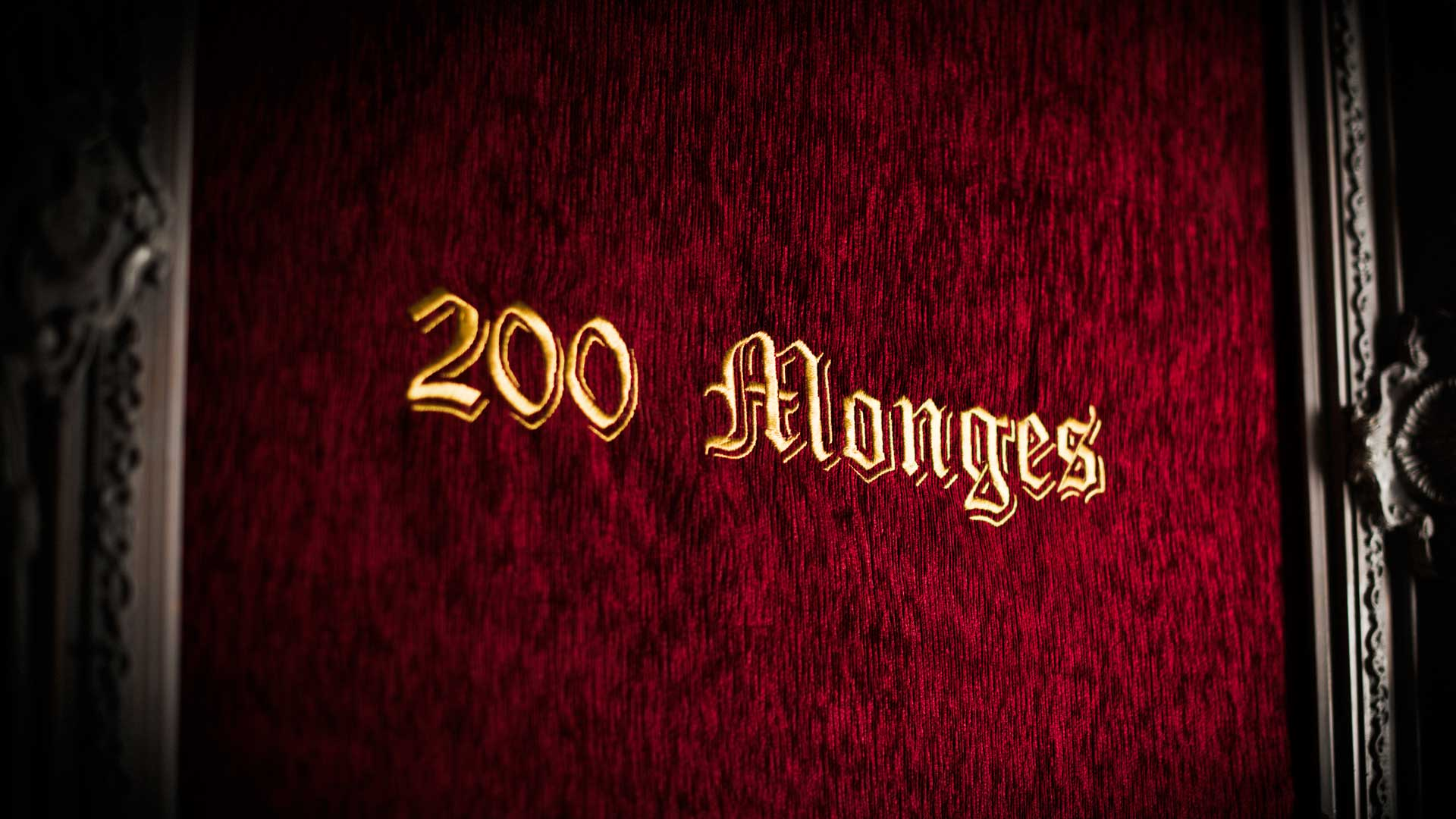 200 Monges